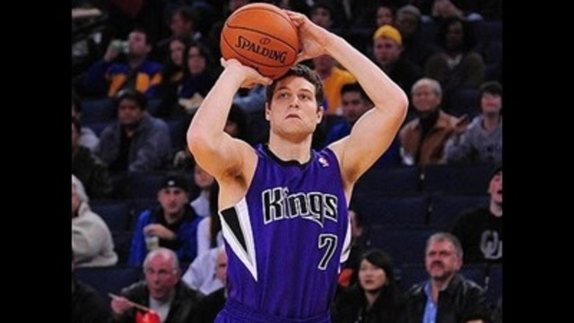 Jimmer Fredette to become free agent