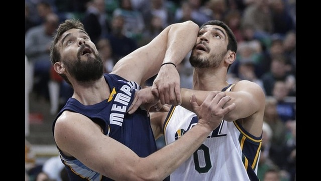 Jazz collapse in second half, lose to Memphis 91-87