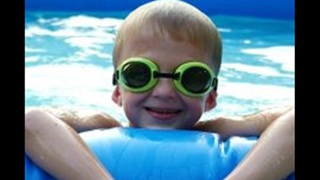 MEDICAL MYTHS- IS SWIMMING RIGHT AFTER EATING DANGEROUS?