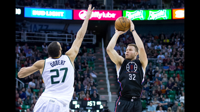 Hayward scores 27 as Jazz win crucial game against Clippers, 114-108
