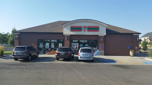 Suspects on the loose after armed robbery at 7-Eleven in South Jordan
