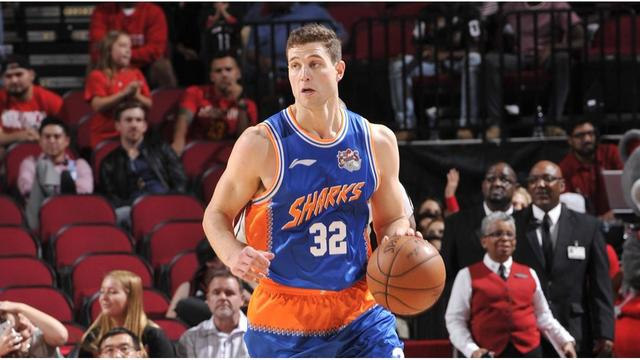 Jimmer Fredette signs $1.8 million deal to return to the Shanghai Sharks!