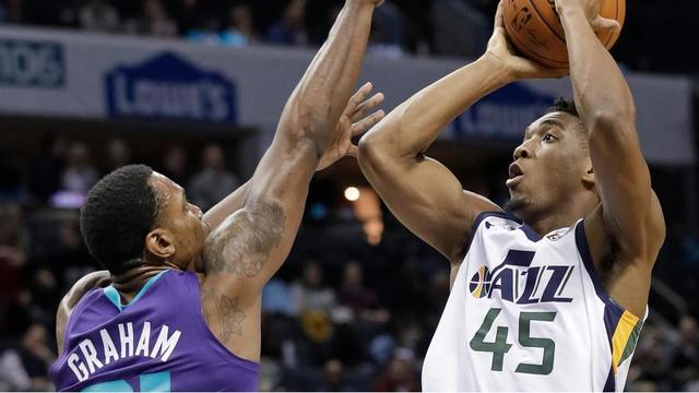 Jazz offense struggles in 99-88 loss at Charlotte