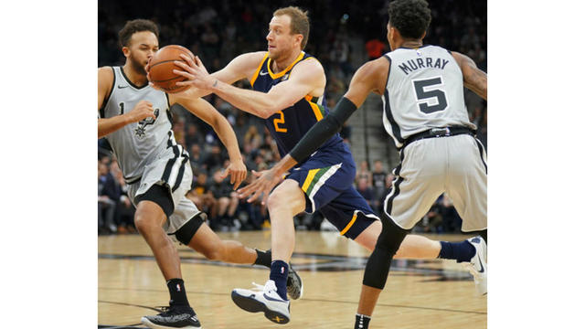 Rubio goes off for 34 as Jazz beat Spurs