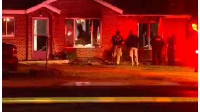 One person killed in residential fire in Sunset