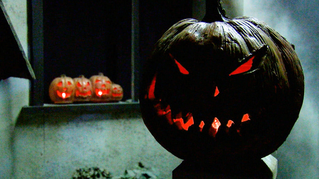 Layton Woman With Epilepsy Warns Against Using Strobe Lights For Halloween Decorations